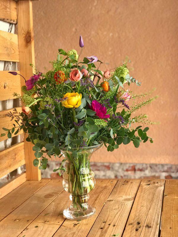 Jarrón María Antonieta con flores silvestres