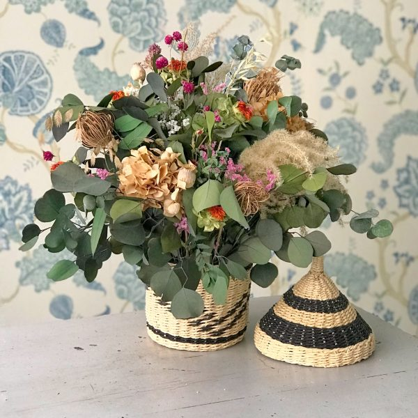 Cesta Vietnamita con Flores Preservadas