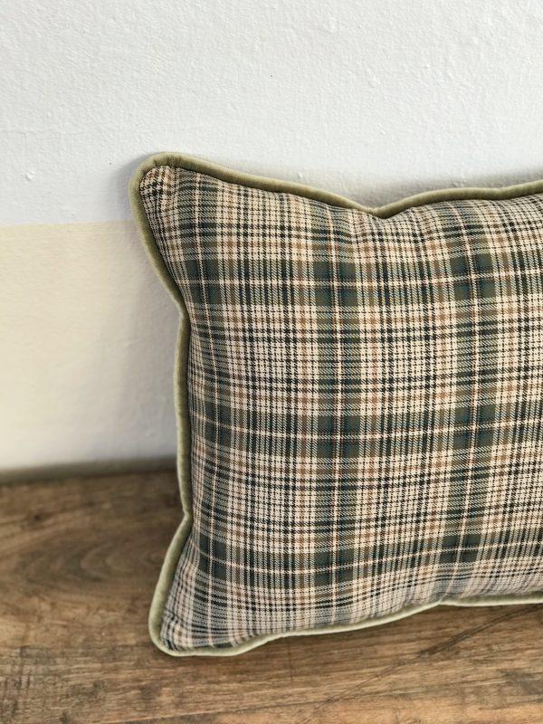 Cojín escocés verde